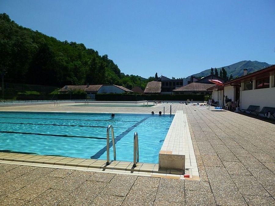 Piscine complexe sportif de baigorry for Complexe piscine