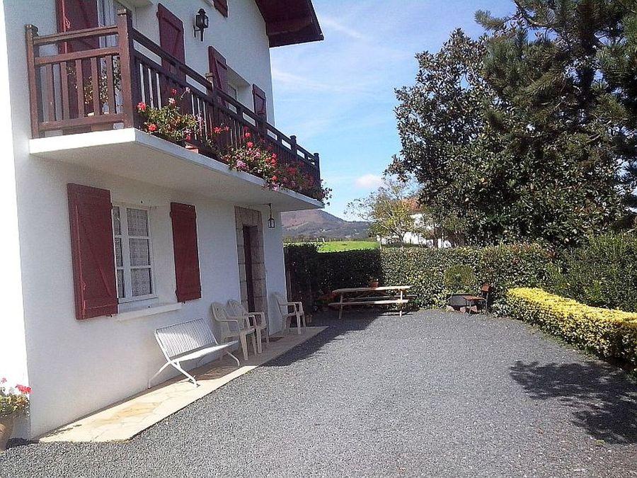 Appartement escoz code 64 gba089 - Location appartement saint jean pied de port ...