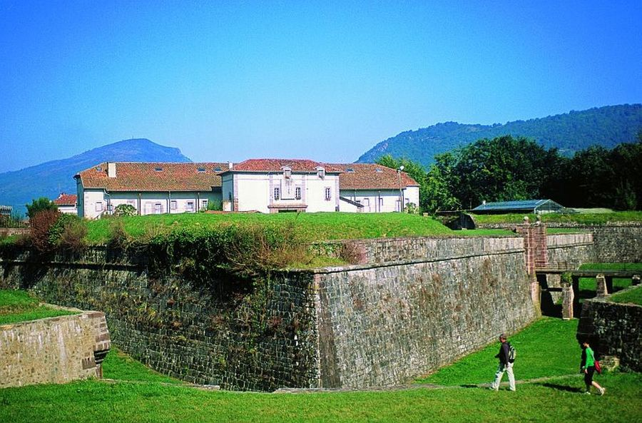 Citadelle de saint jean pied de port - Mairie st jean pied de port ...