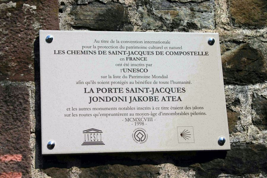 Porte saint jacques saint jean pied de port - Saint jean pied de port saint jacques de compostelle distance ...