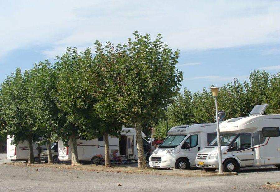 Aire de camping cars de saint jean pied de port - Accueil pelerin saint jean pied de port ...